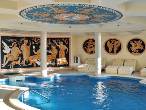 Спа център с басейн, фитнес зала и сауна